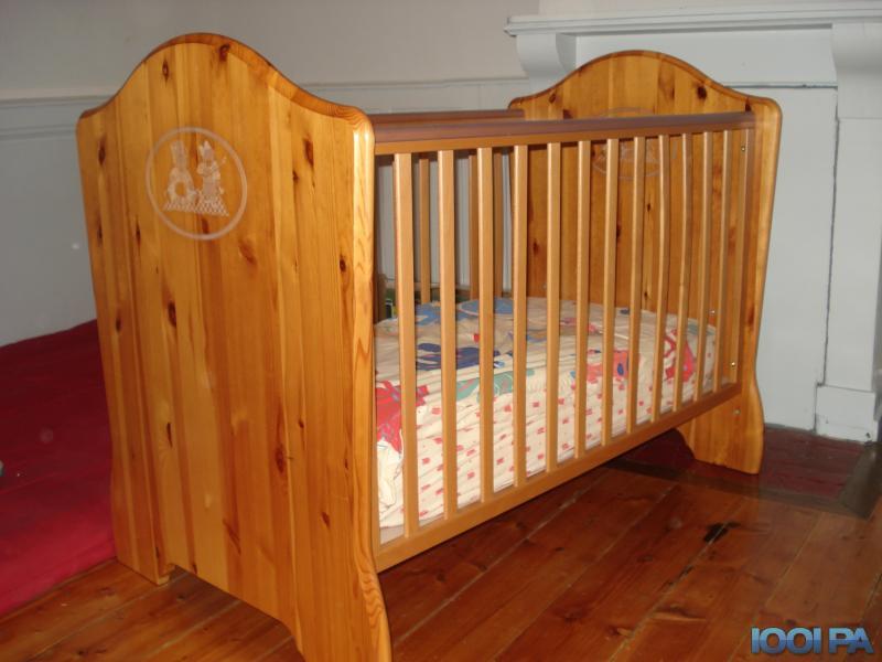 chambre bébé pin massif