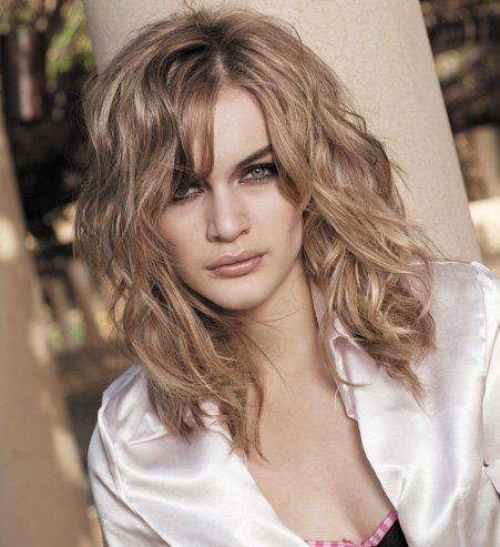 cheveux fins et ondulés